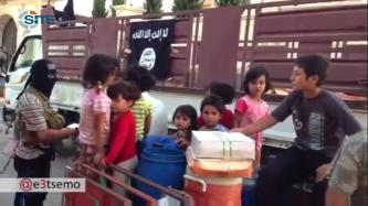 ISIL Video Shows Relief Aid Distribution in Aleppo