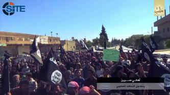 IS Video Shows Civilians in Sarrin, Aleppo, Demonstrating Agaisnt U.S.-led Coalition