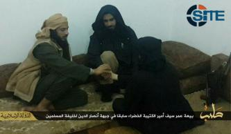 IS Gives Pictures of Former Green Battalion Leader Pledging to Baghdadi