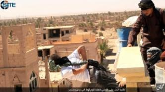 IS Photo Report Shows Execution of Two Men for Sodomy in Tadmur