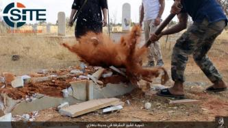 IS Photos Show Fighters Destroying Graves in Benghazi