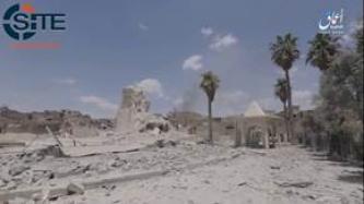 En 'Amaq Video Report, IS mantiene la reclamación de que los ataques aéreos estadounidenses destruyeron la Gran Mezquita de Nuri