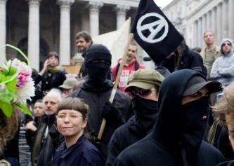 British Anarchists Call to Gather in Dover and Brighton to Combat Fascists