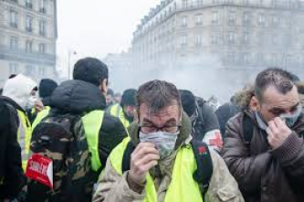 Forum Thread Discusses Yellow Vest Protests in France, Express Desire for Violence and Repression to Escalate